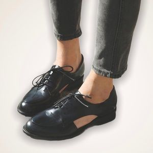 JEFFREY CAMPBELL • Rossdale flats